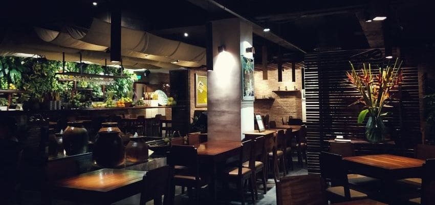 Design lumière pour Hôtel, restaurant, cafés et bars (CHR).